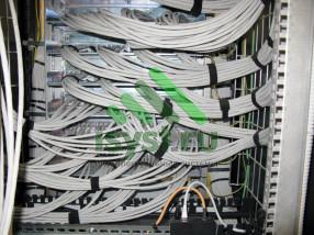Обвязка проводов в шкафу СКС