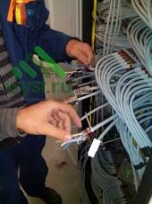 Зачистка проводов для расключения RJ-разъемов СКС (проект, монтаж, обслуживание СКС, ВОЛС, ЛВС)