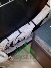 Сбор UTP провода в шкафу СКС
